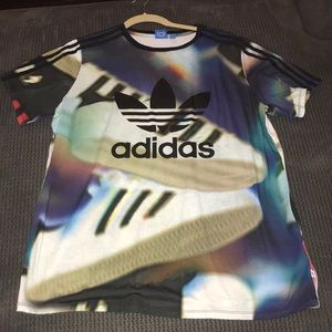 VERY UNIQUE Adidas T-Shirt